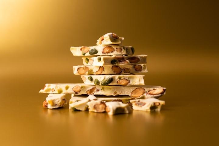 pisztáciás-mandulás fehércsokoládé